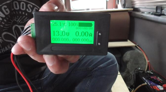 電圧・電流計とチャーコン取付